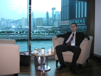 Hong-Kong - Kávička na výstavisku po niekoľkých km chodenia/biznisovania - 2005
